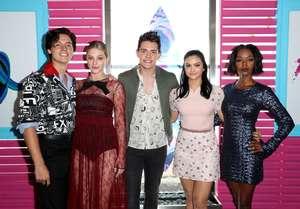 Camila-Mendes--2017-Teen-Choice-Awards--02.thumb.jpg.900d69922f5b282316f7dd8500ccfaf4.jpg