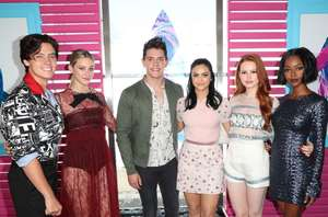 Camila-Mendes--2017-Teen-Choice-Awards--04.thumb.jpg.1f8f34f242010f0250100899732e49c5.jpg