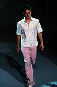 Versace.thumb.jpg.b20d020197408cd1c166eed6ff9c3946.jpg