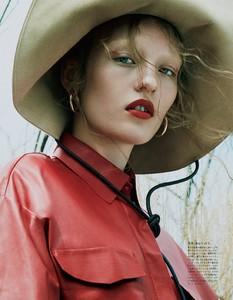 Vogue-Japan-October-2017-Agnes-Akerlund-by-Benjamin-Lennonx-5.thumb.jpg.adbf576540bd7e3f054796909b7d8706.jpg