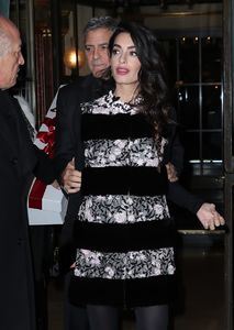 amal-clooney-and-george-clooney-leaving-their-hotel-to-go-to-dinner-to-laperouse-restaurant-in-paris-3.jpg