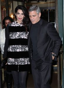 amal-clooney-and-george-clooney-leaving-their-hotel-to-go-to-dinner-to-laperouse-restaurant-in-paris-6.jpg