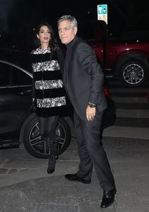 amal-clooney-and-george-clooney-leaving-their-hotel-to-go-to-dinner-to-laperouse-restaurant-in-paris-9.jpg