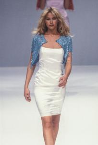 blumarine-fw-1996-2.thumb.png.fdf82fa925fbdb31ceabf0a5cabf92f2.png