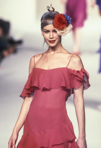 blumarine-ss-1997-10.thumb.png.a3c8ffd6b7af73f1f53f985c9aae27f6.png
