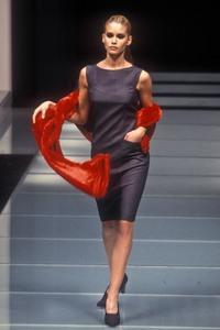 giafranco-ferre-aw-1996-1.thumb.jpg.283dfd59bc075331e0018c456f7b1917.jpg