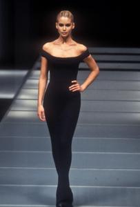 giafranco-ferre-fw-1996-10.thumb.png.dae1f5d996dc37c7e2866ef6ba0af73c.png