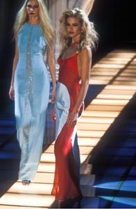 gianni-versace-fw-1996-9.thumb.png.ace0c6b352b7d9ec5687babb9009b909.png