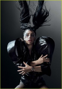lady-gaga-tudor-watches-campaign-01.jpg