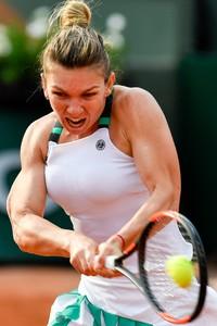 simona-halep-french-open-tennis-tournament-in-roland-garros-paris-06-01-2017-4.jpg
