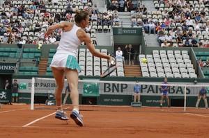 simona-halep-french-open-tennis-tournament-in-roland-garros-paris-06-03-2017-12.jpg