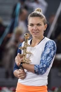 simona-halep-mutua-madrid-open-tennis-may-2017-1.jpg