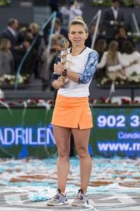 simona-halep-mutua-madrid-open-tennis-may-2017-13.jpg