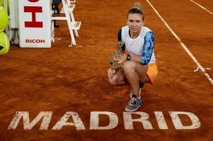 simona-halep-mutua-madrid-open-tennis-may-2017-15.jpg