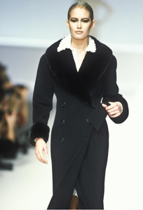 valentino-fw-1996-2.thumb.png.3a4fc31b70780a8c0ab26e14dc7efb7c.png