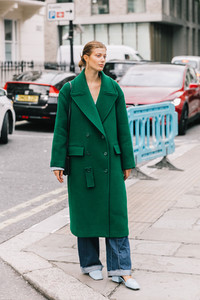 street_style_london_fashion_week_dia_4_tommy_hilfiger_300681064_1200x1800.jpg