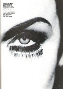 Annie_Lennox_About_Face_Janssen_Vogue_US_October_1992_02.thumb.jpg.c25f08fe1ca5d96e8ec35eae66b72145.jpg