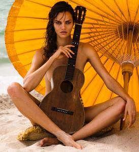 Barbara-Fialho-by-Danny-Cardozo-for-GQ-Brasil-10.jpg