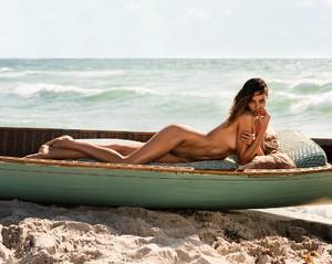 Barbara-Fialho-by-Danny-Cardozo-for-GQ-Brasil-4.jpg