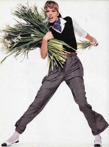 King_Vogue_US_February_1986_07.thumb.jpg.b19c28ea57e1dcf2f9e2acb2a56c3a1a.jpg