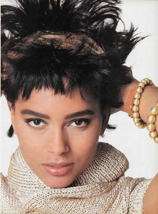 King_Vogue_US_February_1986_14.thumb.jpg.bd9386995ac76aa4e201017851395451.jpg