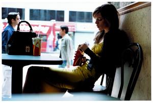 MJ_2003_09_FrenchVogue_EliseC_Manhattan_08_SMALL-1334-xxx_q75.thumb.jpg.134fab480047ea8229575461a0c0c74a.jpg