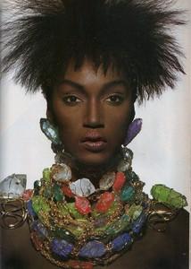 Penn_Vogue_US_April_1988_06.thumb.jpg.865150b41f43e1cc89933d1797558508.jpg