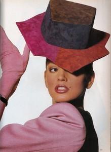 Penn_Vogue_US_April_1988_12.thumb.jpg.7905752dec9ae94426e79cd13224711e.jpg