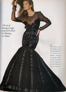 Penn_Vogue_US_April_1988_14.thumb.jpg.5512b72eb61750f9b9382e198c212794.jpg