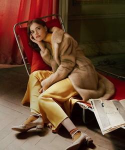 Vogue-Russia-Masha-Skokova-Fanny-Latour-Lambert-1.thumb.jpg.298283a14e320bb7b4a9a369cbba31c7.jpg