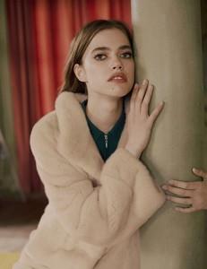 Vogue-Russia-Masha-Skokova-Fanny-Latour-Lambert-2.thumb.jpg.fb7601060f551a232ce0e405dc219f3e.jpg