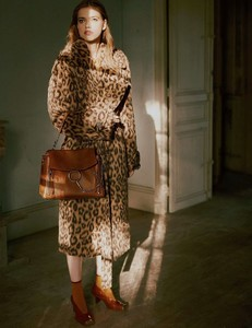Vogue-Russia-Masha-Skokova-Fanny-Latour-Lambert-5.thumb.jpg.362452ffb7eb49dcab6154036d8f552e.jpg