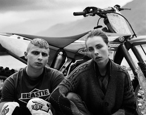 Vogue_UK-September_2016-Edie_Campbell-by-Alasdair_McLellan-10.thumb.jpg.ba09021df1287fbd16c0b57b1b444d37.jpg