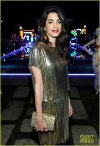 amal-clooney-has-solo-girls-night-out-at-william-vintages-gianni-versace-archive-17.jpg