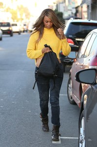tyra-banks-urban-style-cakemix-in-west-hollywood-10-05-2017-1.jpg