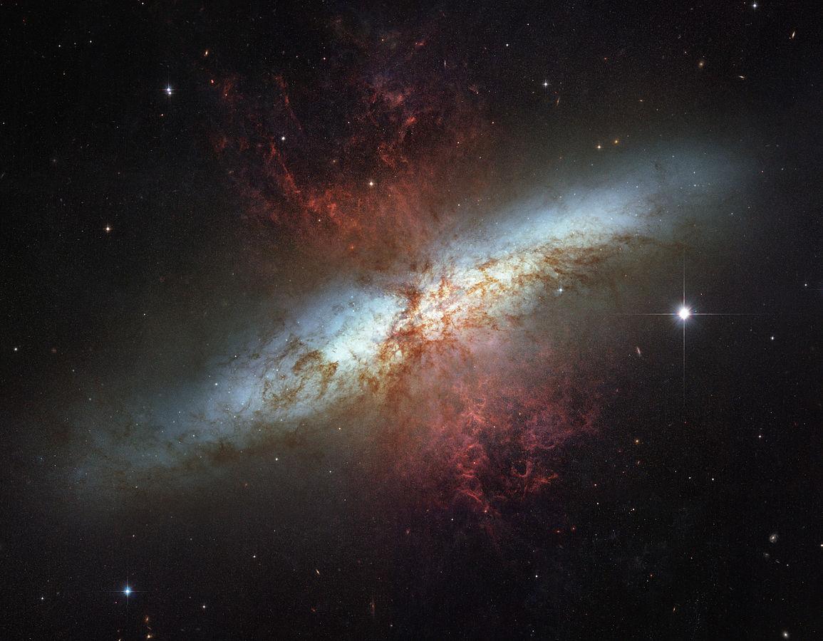 Galaxie du cigare.jpg
