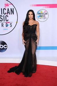 Demi-Lovato_-2017-American-Music-Awards--01.thumb.jpg.7df082739e8cbd255796095987151c6b.jpg