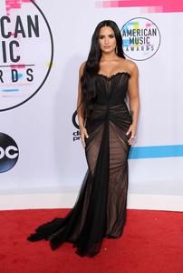 Demi-Lovato_-2017-American-Music-Awards--03.thumb.jpg.55205e50ff7b0488616d5a7bae2faf0f.jpg