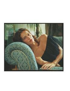 Glamour-UK-December-01-2017-page-012.jpg