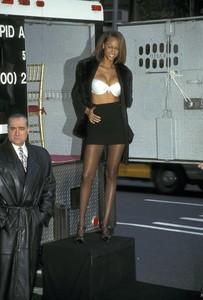 victorias-secret-fantasy-bra-1997.thumb.jpg.3b4de1e4ac4cad709c7c8c5339ef0046.jpg