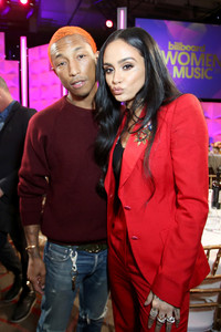 Pharrell+Williams+Billboard+Women+Music+2017+LJS8plgCXkMx.jpg