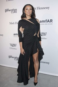 Kat-Graham_-2017-amfAR-generationCURE_-Holiday-Party--05.thumb.jpg.2e04836d9a3f7ad53159b7f977536af1.jpg