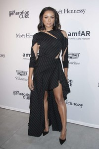 Kat-Graham_-2017-amfAR-generationCURE_-Holiday-Party--06.thumb.jpg.4865e820370780fca02153d6b255b464.jpg