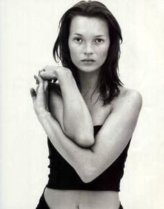 Kate-Moss-Calvin-Klein-1997-02.thumb.jpg.f4972ab36ccd78c1dfdbc9e03e1aa552.jpg