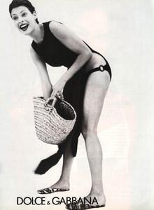 Linda-Evangelista-Dolce-Gabbana-1996-ph.Steven-Meisel-01.thumb.jpg.30333e08fc84330cd3eb8f13f3bad403.jpg