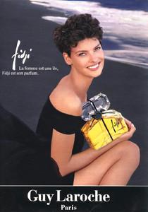 Linda-Evangelista-Guy-LaRoche-1992-01.thumb.jpg.61e763ec897d39154e763b1b1d0e0036.jpg