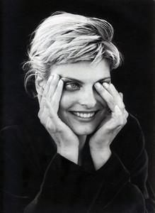 Linda-Evangelista-Jil-Sander-1994-01.thumb.jpg.7c6a15d305875474928cc7ac43bc422f.jpg