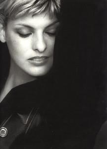 Linda-Evangelista-Jil-Sander-1994-04.thumb.jpg.eb121f178c9b38aae62d6d98e1ef444c.jpg