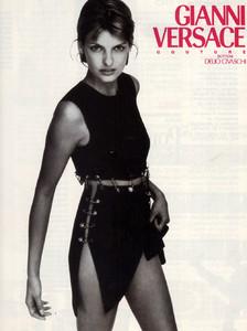 Linda-Evangelista-Versace-1994-03.thumb.jpg.13771f954fb58237caaae78acd946422.jpg