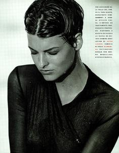 Lindbergh_Vogue_Italia_December_1989_05.thumb.png.d54e008e372eadf3e16f9264484c5522.png